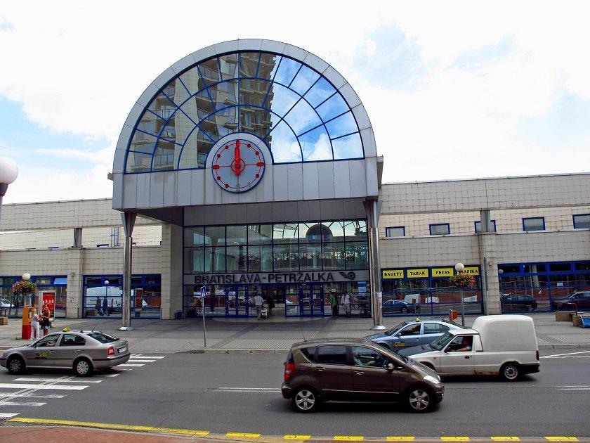 Vlaková stanica Petržalka