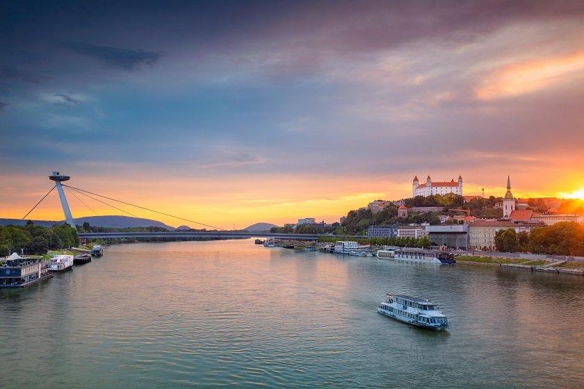 Lodná doprava v Bratislave
